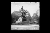 """Le Monument Victor Hugo, Paris"""